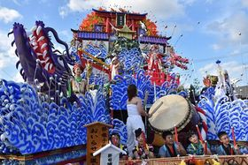 最優秀賞に輝いた三田町内会南組の山車「武蔵と小次郎 巌流島の戦い」