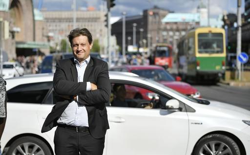 マース・グローバル社CEOのサンポ・ヒエタネン。アプリを使って公共交通をより使いやすくする先駆者だ=19年8月、ヘルシンキ(共同)