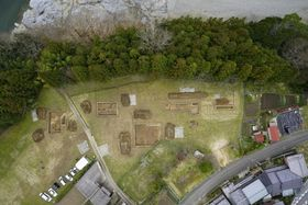 「吉野宮」の中心の大型建物跡とみられる調査地=奈良県吉野町(同町提供)