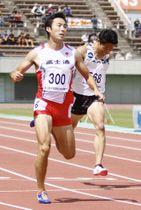 男子200メートルで3連覇した橋元晃志=熊谷スポーツ文化公園陸上競技場