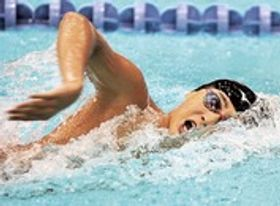 競泳男子400メートル自由形決勝 8位入賞した静岡賤機の押尾駿太=京都アクアリーナ