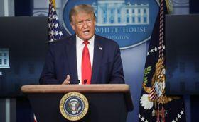 ホワイトハウスで記者会見するトランプ米大統領=3日、ワシントン(ロイター=共同)