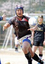 「みんながついてきてくれる選手」を目指して練習に励む大町=西彼長与町、長崎北陽台高グラウンド