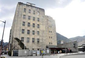 北九州市門司区の「旧JR九州本社ビル」=2019年12月