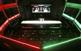 フェンシングの全日本選手権個人戦決勝が行われた東京グローブ座=9日午後、東京都新宿区(代表撮影)