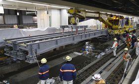2017年11月、公開されたリニア中央新幹線の品川駅の建設工事=JR品川駅