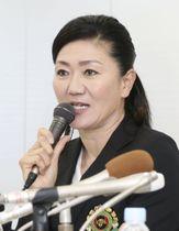記者会見する、東京五輪ゴルフ日本代表の女子担当コーチに就任した服部道子さん=26日午後、東京都内