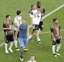 メキシコに敗れたミュラー(13)らドイツイレブン=モスクワ(AP=共同)