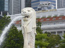 シンガポールの観光名所マーライオン像