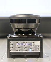 「2次元フォトニック結晶」レーザーを使い、対象までの距離を測定する装置