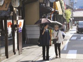 40度に迫る猛暑となった岐阜県郡上市=22日午後