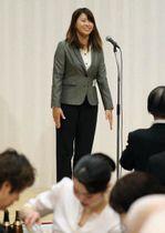 東京五輪をはじめ、2020年シーズンの抱負を語る渋野日向子選手=岡山市