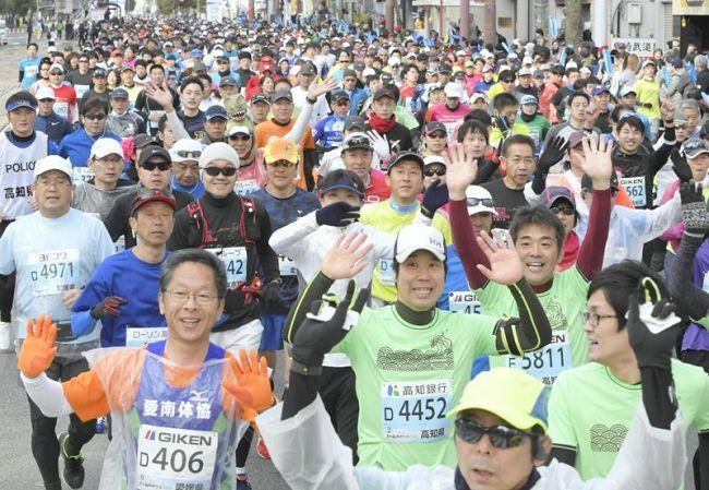高知龍馬マラソン2018 1万1194人が土佐路を疾走