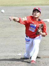 【福島―茨城】4回無失点の好投でプロ初勝利を挙げた福島の山下=いわせグリーン球場