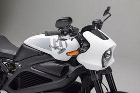 米ハーレーダビッドソンが発表した新ブランド「ライブワイヤー」の電動二輪車(同社提供・共同)