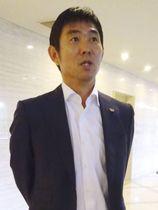 大阪市内で取材に応じるサッカー日本代表の森保監督=12日