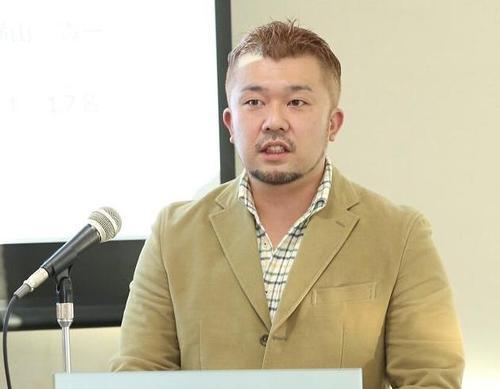 自律神経の働きについて講演した健勝堂鍼灸整骨院の福島院長=17日、汐留、撮影:Yosei Kozano