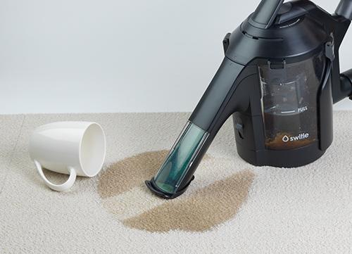 水洗いも兼ねて吸引するのでカーペットに落としたコーヒー染みも見事に洗浄できる。