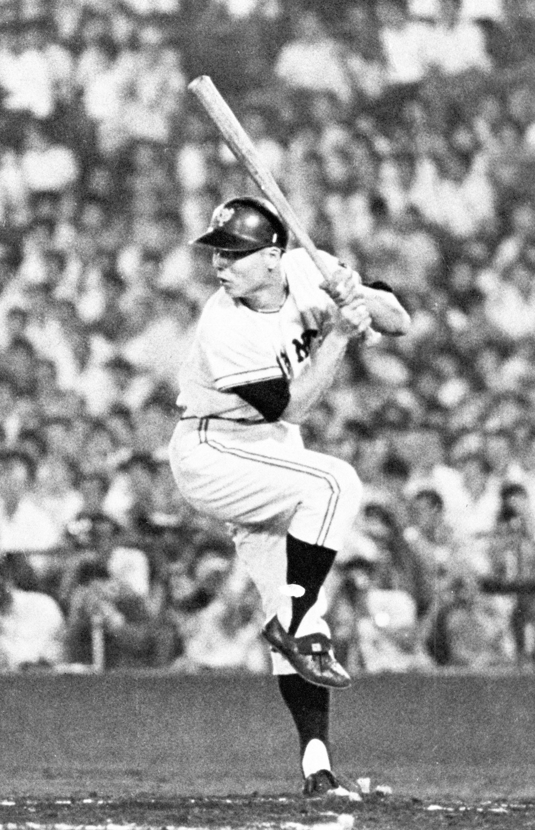 1964年9月、打席に立つ巨人の王貞治選手。この年、55本塁打を放ち最優秀選手(MVP)に選出された