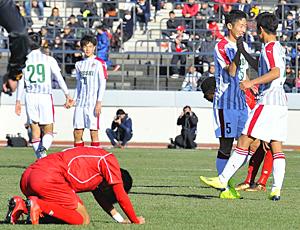 尚志、東福岡2-0撃破 全国高校サッカー、3日・前橋育英戦