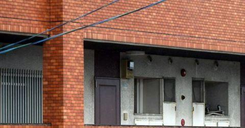 事件が起きたマンションの一室=福岡県篠栗町