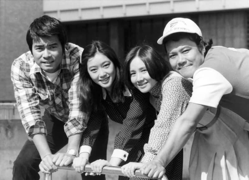 ドラマ「風の隼人」製作発表。左から勝野洋さん、夏目雅子さん、南田洋子さん、西田敏行さん=東京・渋谷のNHK放送センター
