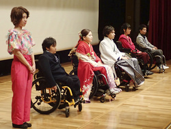 障害者のファッションショー=10月、埼玉県所沢市の国立障害者リハビリテーションセンター