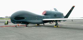無人偵察機グローバルホーク=2017年、米軍横田基地