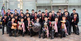 第99回全国高校ラグビー大会優勝の報告に訪れた桐蔭フィフティーンら=横浜市中区の横浜メディア・ビジネスセンター