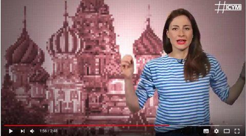 ICYMIの動画に出演するポリー・ボイコさん。ユーチューブから