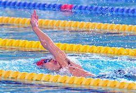 【男子200メートル背泳ぎ】力強い泳ぎで3連覇を決めた大曲工の中原