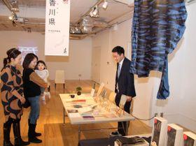 盆栽や丸亀うちわ… 富裕層の訪日客に四国の特産品PR