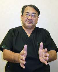 新出生前診断の課題について説明する宮城県立こども病院の室月淳産科部長