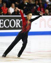 フィギュアのスケートアメリカ、フリーで演技する友野一希=19日、ラスベガス(USA TODAY・ロイター=共同)
