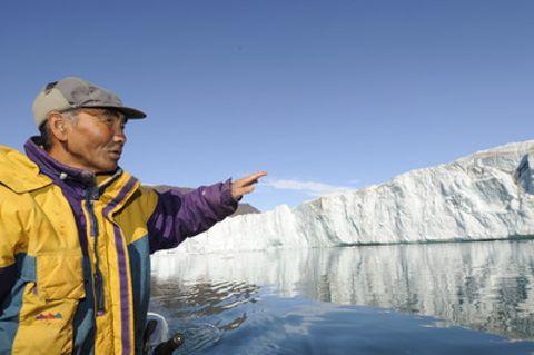 「ルポ・北極圏」 凍らぬ海峡アザラシ捕れず