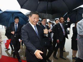 G20サミットに出席するため来日した中国の習近平国家主席=27日午後、関西空港(代表撮影)