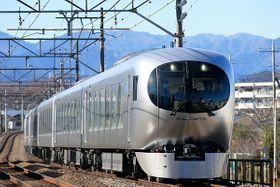 西武鉄道はGWの10連休に本川越駅と飯能駅を結ぶ臨時特急を運行する。車両は新型特急車両「Laview」で運行(同社提供)
