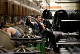 中国・河北省にあるタイヤ工場=5月(ロイター=共同)