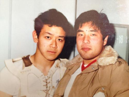日大時代に甲子園ボウル、ライスボウルの制覇に貢献したQB松岡(左)とC尾寺