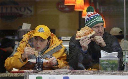 スーパーボウルサンデーには宅配ピザがたくさん売れる(AP=共同)
