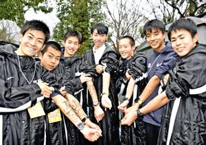 全国3位!最強世代の先輩超え 学法石川・男子が歓喜の都大路