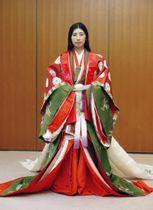 京都三大祭りの一つ「時代祭」に向けて新調された清少納言の衣装=12日午後、京都市