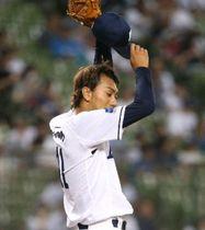 1回2死一塁、日本ハム・中田に先制2ランを浴びる西武・相内