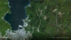 福井県主導で企画し打ち上げた超小型人工衛星「すいせん」が撮影した同県敦賀市の衛星画像(アクセルスペース提供)
