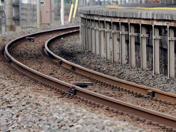 JR与野本町駅で人身…