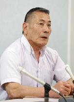大阪高裁判決を受け、記者会見する主任弁護人の堀和幸弁護士=24日午後、大阪市の司法記者クラブ