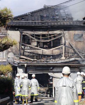 住宅火災で2人死亡、福島