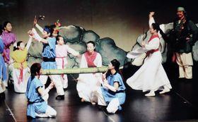 2016年に和歌山県新宮市で開催された市民ミュージカルの一場面(新宮ライオンズクラブ提供)