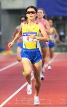 女子1500メートル決勝 4分14秒32の自己最高記録で準優勝した田崎(ヤマダ電機)=埼玉・熊谷スポーツ文化公園陸上競技場