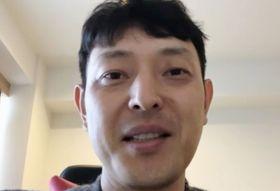 マリナーズの特命コーチに就任し、オンライン記者会見する岩隈久志氏=13日(共同)
